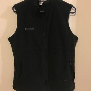 Columbia vest in black